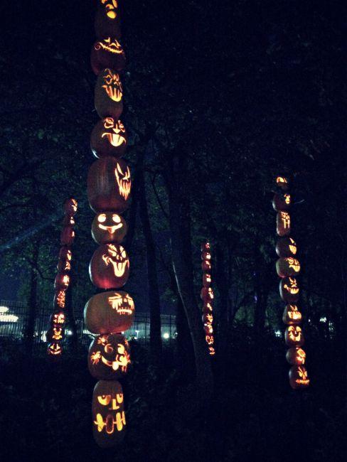 HalloWeekends Cedar Point Pumpkin Totems