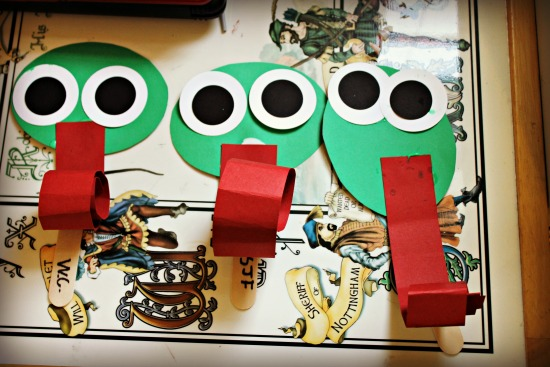 Frog Party Puppets